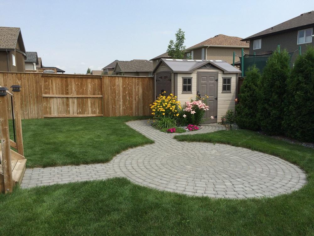 paving stone patio and sidewalks
